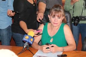 DIRECTORA DE DIF MARISELA COMADURÁN